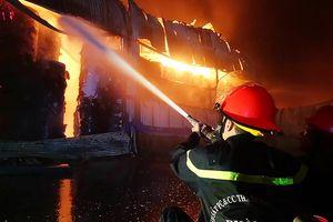 Cảnh sát thông tin vụ cháy hơn 3.000 m2 ở KCN Vĩnh Lộc