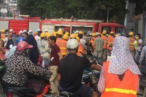 Cháy ở công trường Bệnh viện Việt - Pháp, hàng trăm người tháo chạy