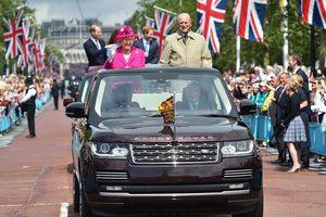 Bộ sưu tập xe đồ sộ của Hoàng gia Anh