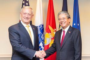 Đại sứ Phạm Quang Vinh hội kiến Bộ trưởng Quốc phòng Mỹ James Mattis