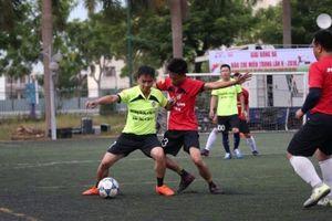 300 nhà báo tranh tài tại giải bóng đá báo chí miền Trung