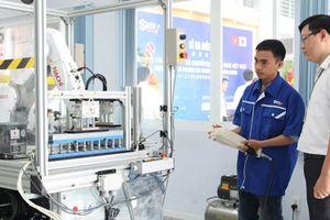 Mitsubishi đầu tư 2 phòng thực hành Robot tự động hóa tại Khu Công nghệ cao TP.HCM