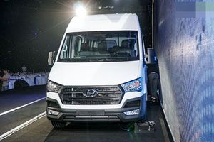 Chi tiết Hyundai Solati giá hơn 1 tỷ đồng tại Việt Nam
