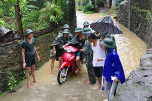 Bám địa bàn, giúp dân ứng phó, khắc phục hậu quả mưa lũ