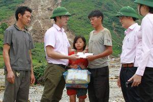 NHCSXH chung tay hỗ trợ 600 triệu đồng cho bà con vùng lũ