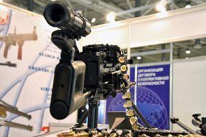 Kinh hãi khẩu súng máy bắn cháy được cả xe bọc thép của Nga