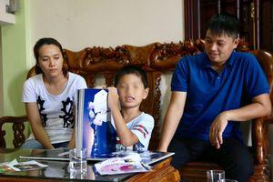 Vụ nhầm con ở Ba Vì: 'Trong các cuộc chiến giành con, người thiệt thòi nhất là đứa trẻ'