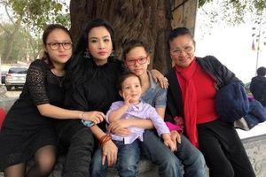 Thanh Lam từng bị tráo đổi, suýt lạc mẹ lúc mới sinh ở bệnh viện