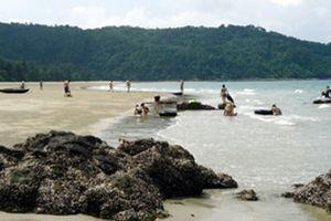 Quảng Ninh có thêm bãi tắm Vàn Chảy