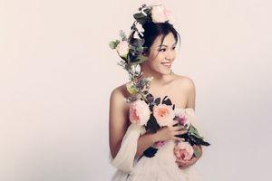 Phương Vy tinh khôi với váy hoa hồng