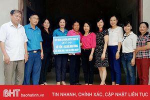Hỗ trợ đoàn viên công đoàn Thạch Hà 40 triệu đồng làm nhà ở