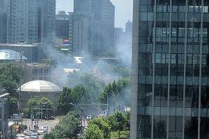 Nổ lớn trước trụ sở đại sứ quán Mỹ tại Trung Quốc