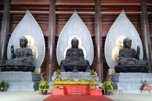 Chùa Tam Chúc uy nghiêm nơi cảnh tiên 'Vịnh Hạ Long trên cạn' ở Hà Nam