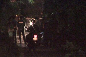 Phát hiện tài xế xe ôm nằm thoi thóp, nghi bị giết, cướp của