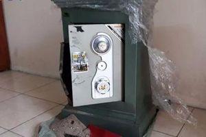 Đại gia Sài Gòn trình báo mất két sắt chứa hơn 2 tỷ