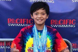 Cậu bé 10 tuổi xô đổ kỷ lục bơi tồn tại 23 năm của Michael Phelps