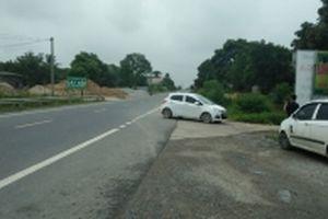 Né trạm thu phí BOT, ô-tô 'phá' đường dân sinh ở Thái Nguyên