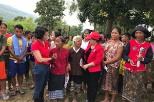 Hội Chữ thập đỏ Việt Nam hỗ trợ người dân Lào bị lũ lụt