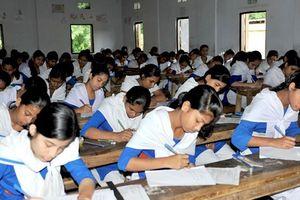 Chính phủ Bangladesh đóng cửa các trường trung học do biểu tình