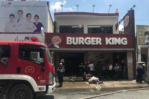 Cửa hàng Burger King ở TP.HCM bốc cháy ngùn ngụt