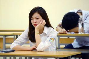 Càng được đầu tư học sinh càng áp lực?