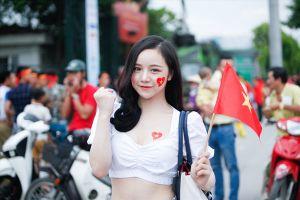 Ngắm các hotgirl 'tiếp sức' U23 Việt Nam