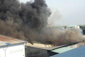 TPHCM: Cháy lớn tại khu công nghiệp Nhị Xuân, thiêu rụi khoảng 5.000m2 nhà xưởng