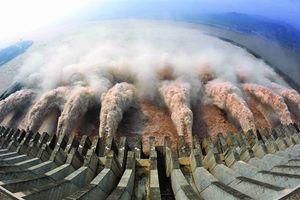 Cuộc sống trong 'ác mộng' đằng sau công trình kỷ lục thủy điện thế giới