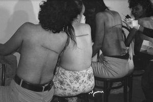 Những bức ảnh phá vỡ 'ranh giới' đạo đức của nghệ thuật
