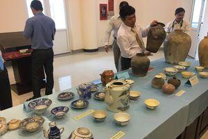 Một người hiến tặng 367 hiện vật cho bảo tàng