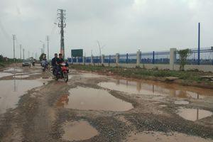 Đường gom cao tốc Hà Nội - Bắc Giang xuống cấp nghiêm trọng: Sẽ sửa chữa xong trong hai tháng nữa?