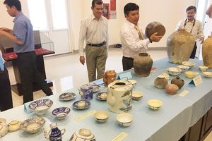 Tiếp nhận 367 cổ vật do nhà sưu tập hiến tặng