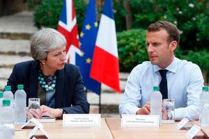 Bà May gặp ông Macron tìm kiếm sự hỗ trợ trong kế hoạch Brexit