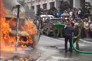 Clip: Xe hút bể phốt thay xe cứu hỏa chữa cháy ở Sapa
