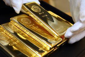 Giá vàng hôm nay 4/8/2018: Tiền đổ vào thị trường, vàng bật tăng mạnh