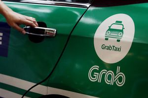 Tranh cãi nảy lửa việc tài xế Grab không thích nhận khách dùng Grabpay