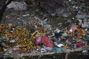 Ngập rác thải sau những ngày mưa