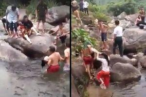 Thái Nguyên: 2 phụ nữ rơi xuống nước tử vong khi đang chụp ảnh bên suối