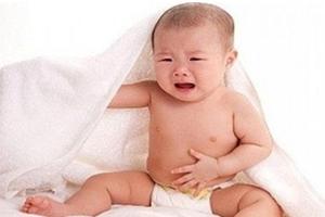 Tại sao trẻ nhỏ hay bị rối loạn tiêu hóa, đầy hơi, phân sống?