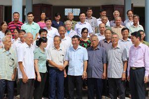 Các đồng chí Thường trực Tỉnh ủy Bắc Ninh về dự sinh hoạt chi bộ tại cơ sở