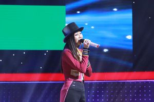 Bản sao Hương Tràm khiến Trường Giang hoảng hốt vì hát quá tệ