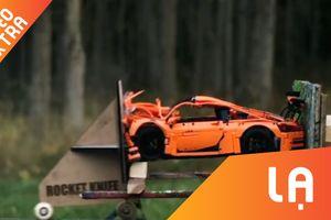 Cận cảnh siêu xe đồ chơi bị máy trượt siêu tốc dập tan tành