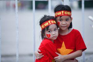 Chùm ảnh: CĐV nhí háo hức 'tiếp sức' U23 Việt Nam