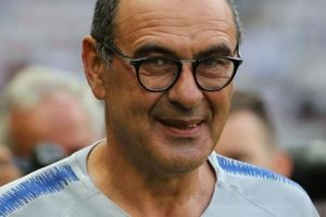 Làm HLV của Chelsea, Sarri hỏi ý kiến... Pep Guardiola