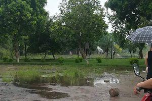 Hãi hùng phát hiện người đàn ông chết treo cổ ở hồ Đền Lừ