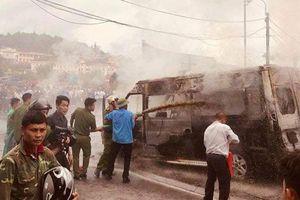 Nóng trên mạng xã hội: Bi hài xe hút bể phốt chữa cháy