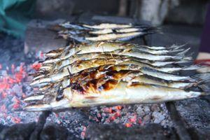 Thơm lừng cá nướng trên làng biển Thạch Kim