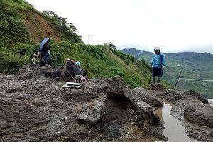 Mưa lũ càn quét miền núi phía Bắc: 11 người chết và mất tích, nhiều nhà cửa chìm trong nước