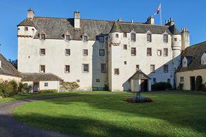 Chào mừng đến Traquair House, ngôi nhà cổ, đáng yêu và kỳ lạ nhất ở Scotland