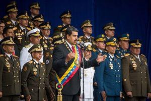 Video khoảnh khắc Tổng thống Venezuela Maduro bị mưu sát